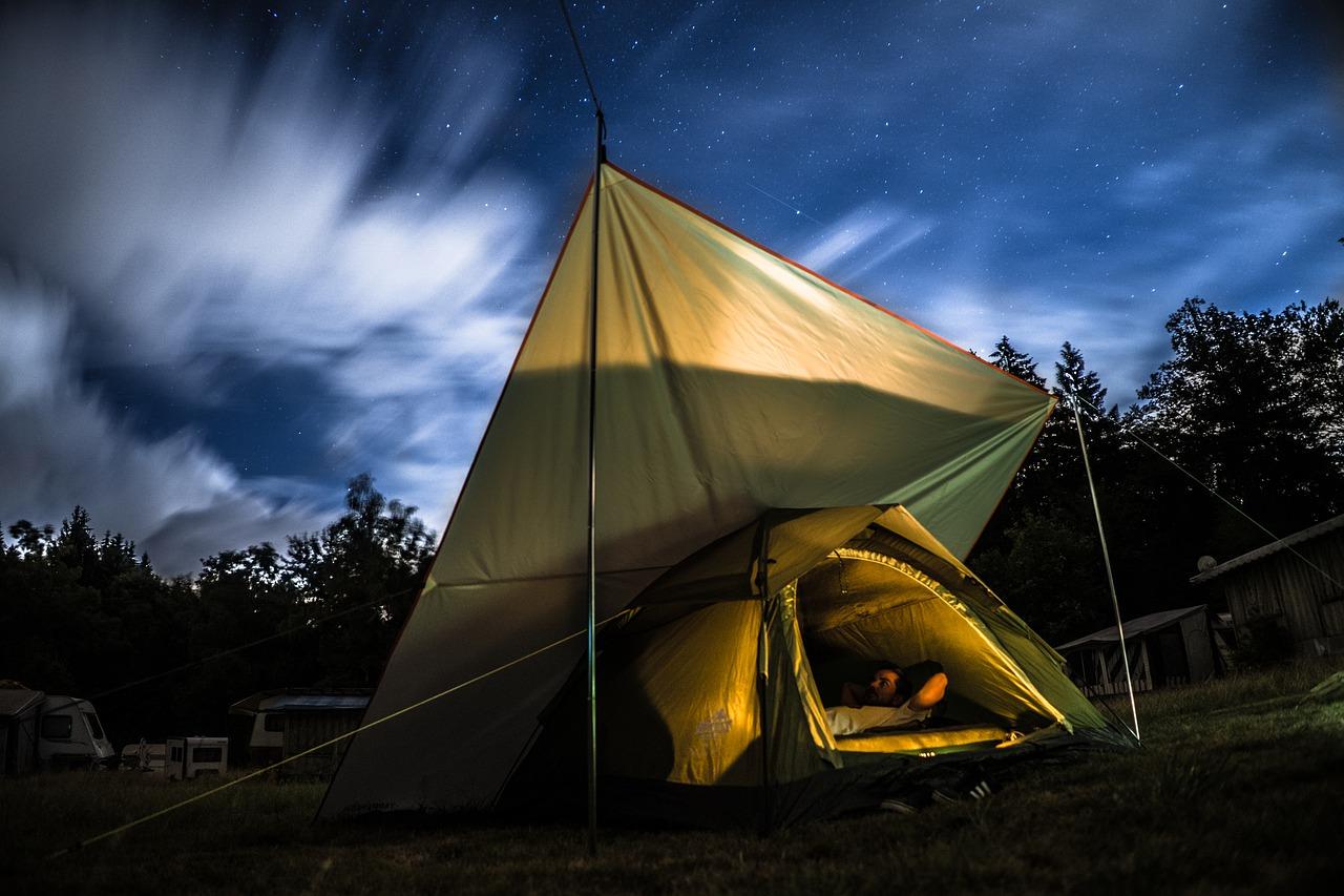 camp-4522970_1280