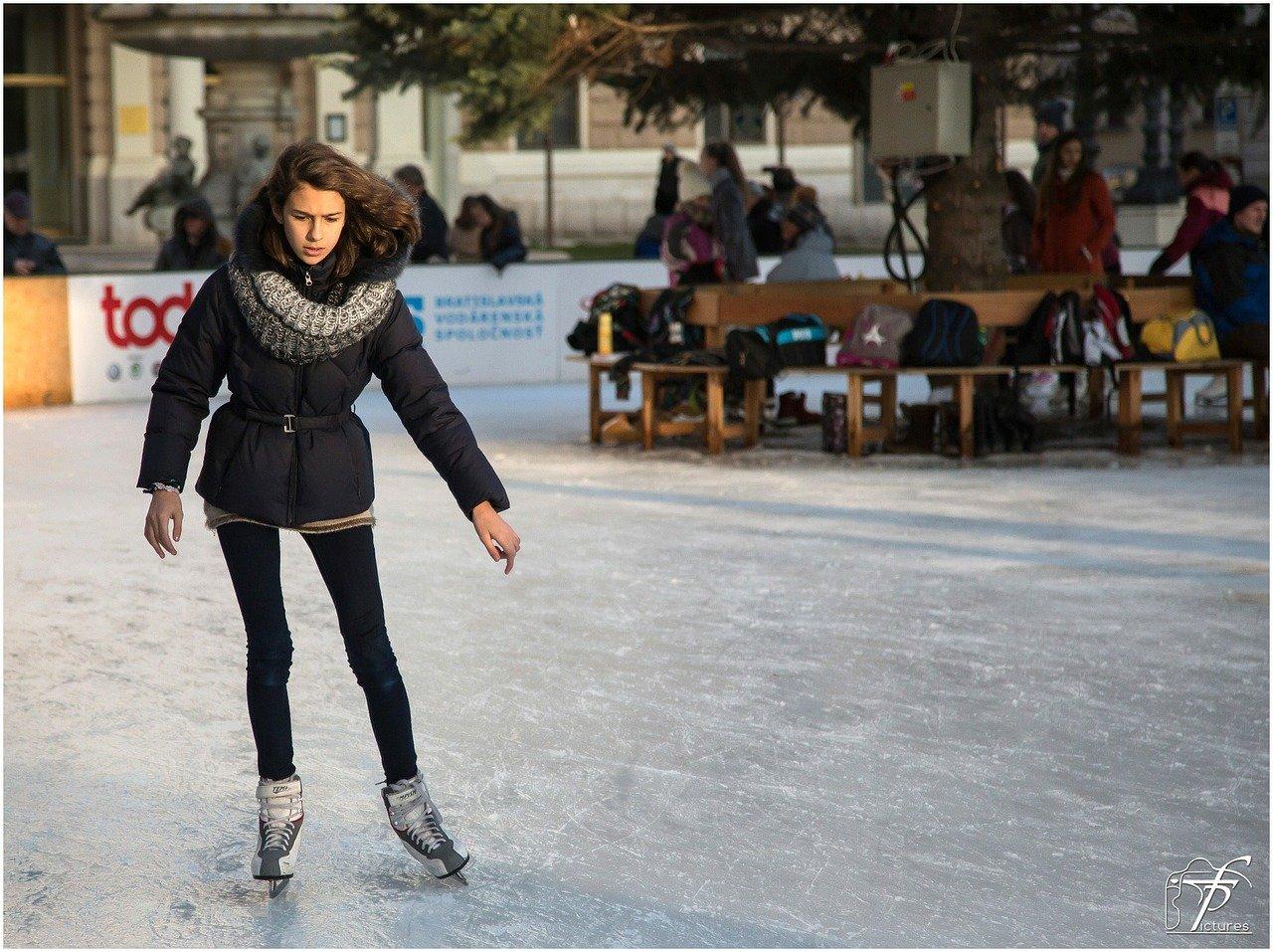 ice-skating-235545_1280